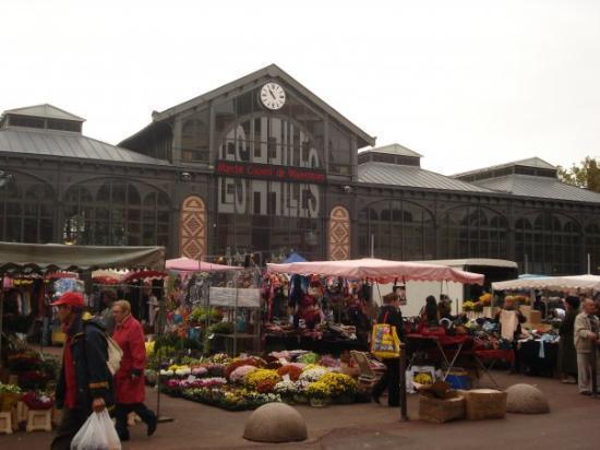 Wazemmes Market.   Picture from: Tripadvisor