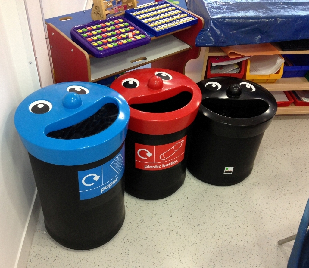 11-12-Keele-Recycling-PR-Smiley-Bins-WEB