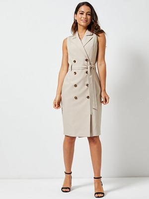 Dorothy Perkins Meghan trench coat dress